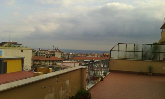 Giarre centro attico di 5 vani + terrazza a piano e di copertura