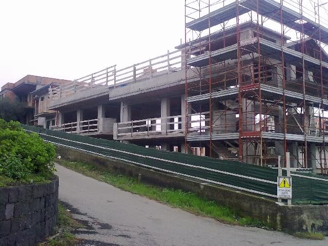 Sant'Alfio palazzina in costruzione appartamenti di 3 o 4 vani più accessori e garage